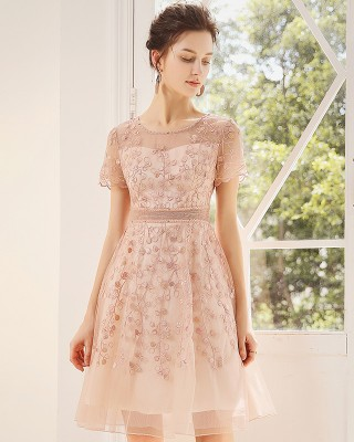 A-Line Scoop-Neck Knee-length Lace/Tulle Cocktail Dress C1309022