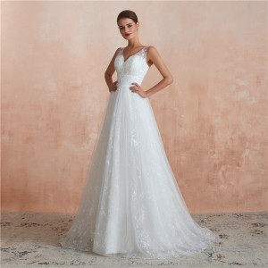 A-Line V-Neck Sweep/Brush Train Lace/Tulle Wedding Dress W1311008