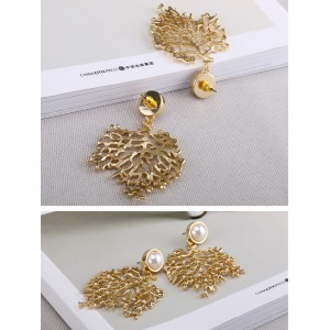 Beautiful Alloy Rhinestones With Rhinestone Women's Fashion Earrings E905