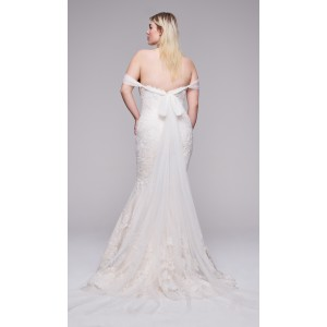 Trumpet/Mermaid-Line Off-the-Shoulder Sweep/Brush Train Lace/Tulle Plus Size Wedding Dress Plu0113